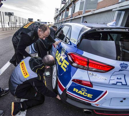 Pirelli regresa a las competiciones de circuito en España